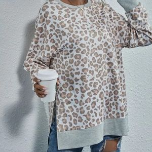 Womens long sleeve leopard print sweatshirt